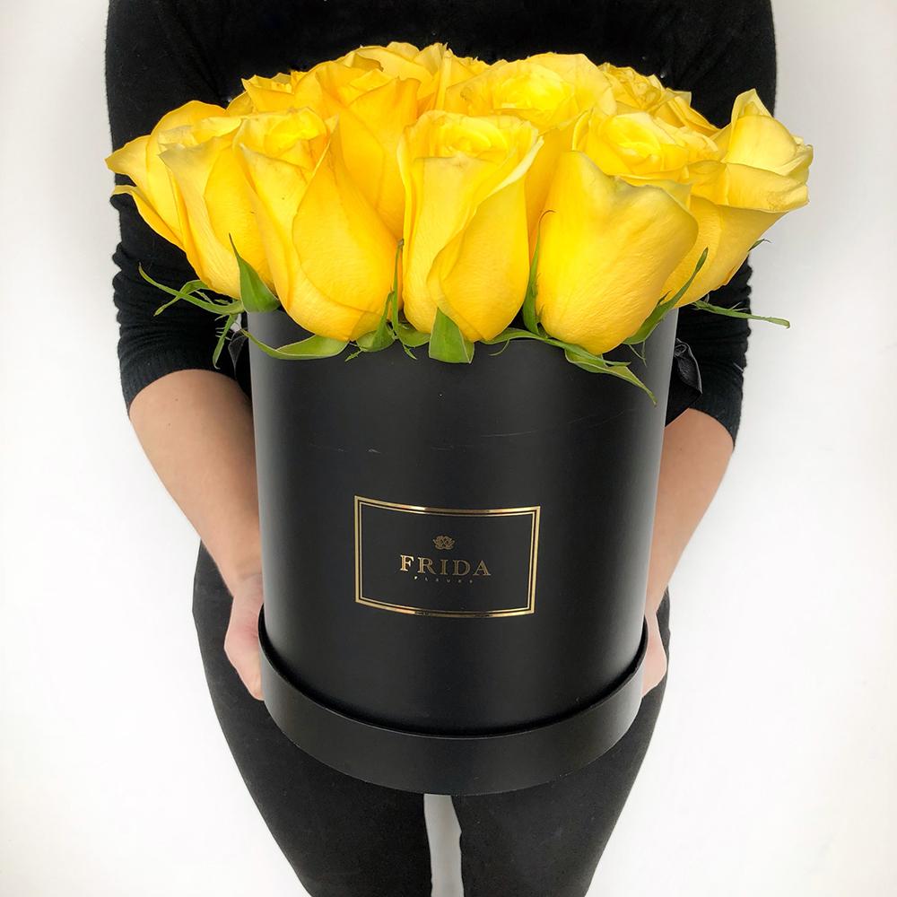 букет из желтых роз фото в коробке вперёд